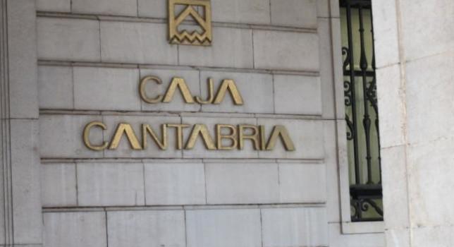 Qué servicios ofrece Caja Cantabria.